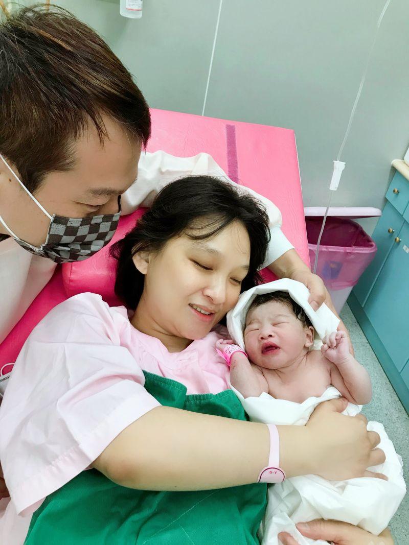 ▲林良歡產下女兒,母女均安。(圖/豪記唱片提供)
