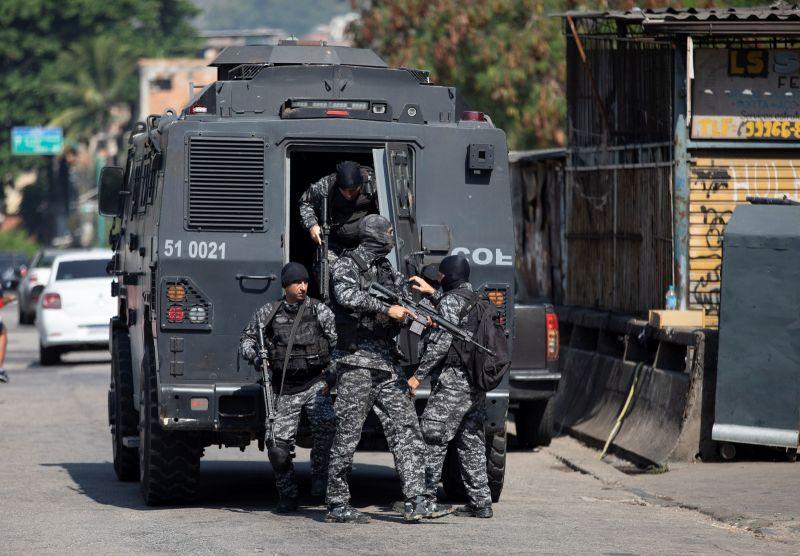 巴西里約熱內盧爆槍戰 至少23死含一警