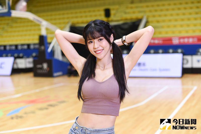 ▲福爾摩沙夢想家啦啦隊「Formosa Sexy」成員Abby從會計轉換跑道成為專職舞者。(圖/記者陳明安攝)