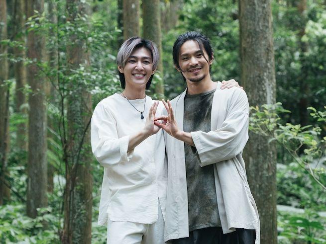 ▲炎亞綸(左)與姚淳耀合作邪教犯罪影集《我願意》。(圖/絡思本娛樂製作公司提供)