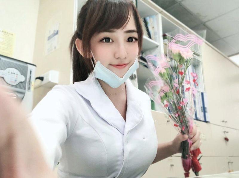 疫情升溫!台灣最美護理師曬制服照 甜喊:一起維護健康