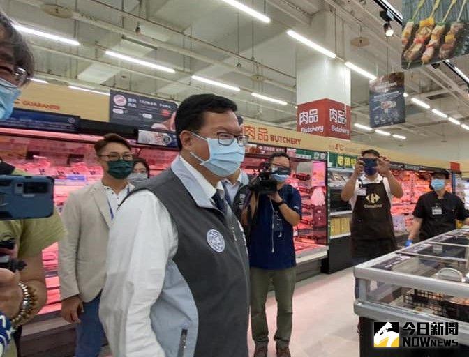 雙北三級警戒!量販店爆發搶購潮 鄭文燦籲適量採購