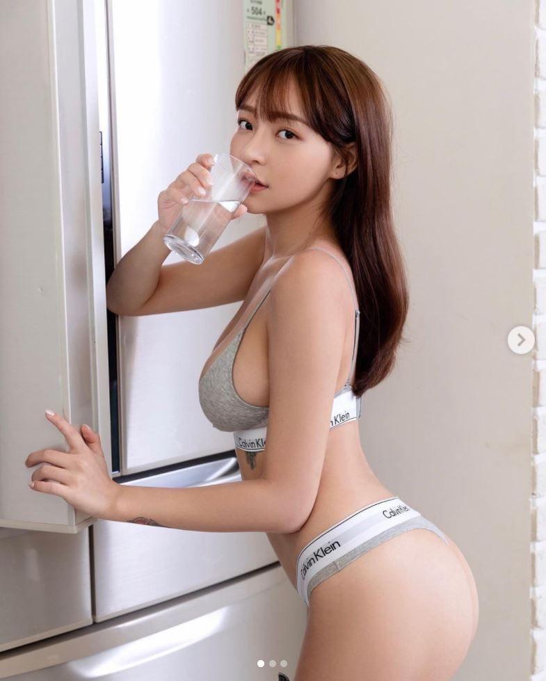 ▲林襄居家防疫,呼籲粉絲多喝水。(圖/翻攝林襄IG)