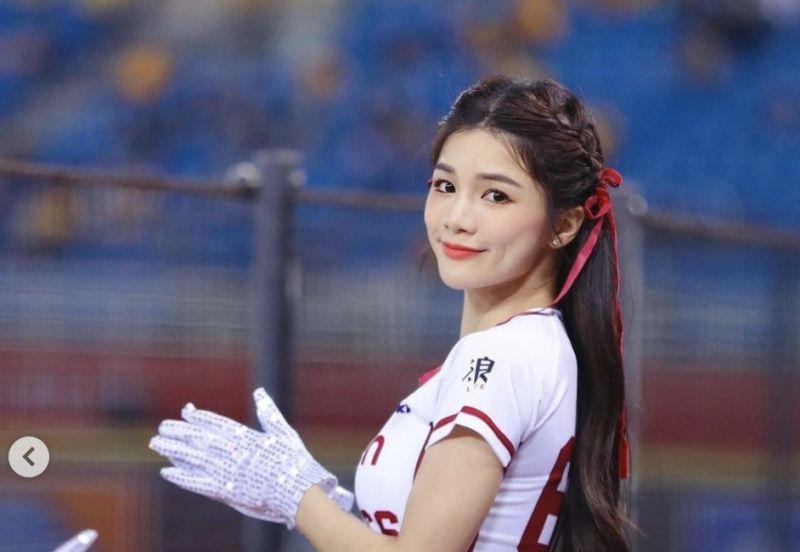 ▲羚小鹿是中華職棒「樂天女孩」啦啦隊副隊長,日前貼出熱舞影片,用另類的方式宣導防疫。(圖/羚小鹿IG)