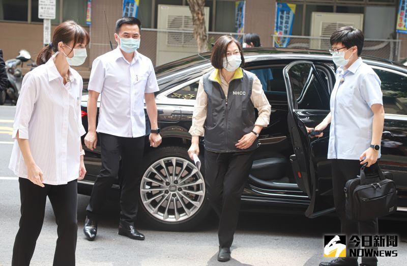視察指揮中心 蔡英文:國外疫苗陸續到位、民眾勿憂