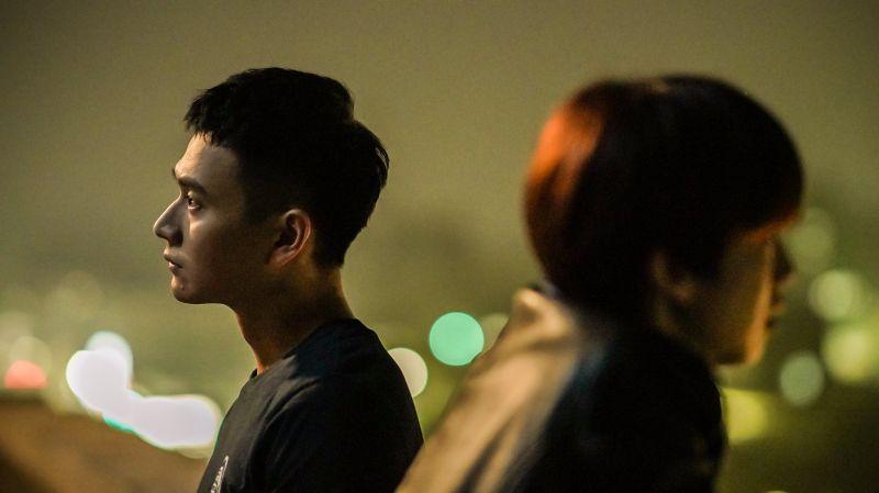 ▲劉冠廷(左)坦言這場戲看到陳庭妮難過很無力。(圖/公共電視、myVideo提供)