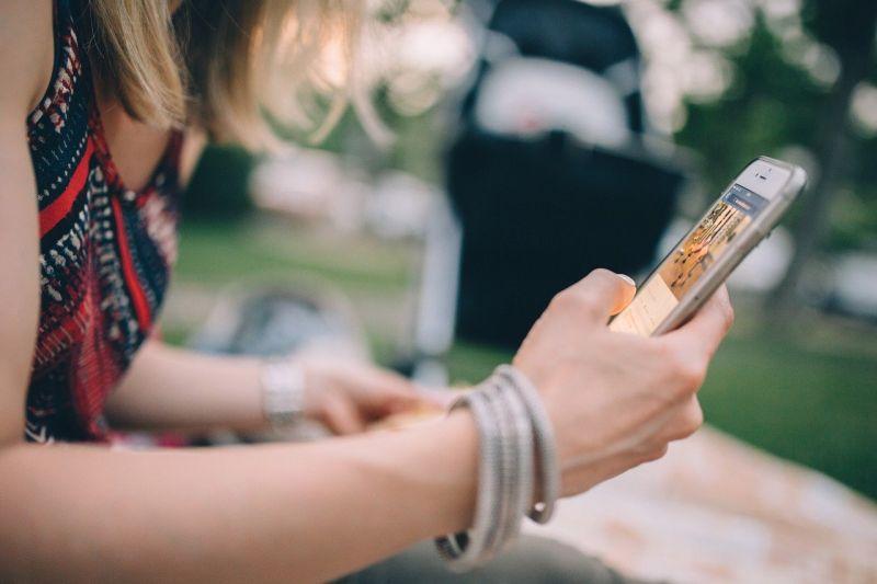 ▲一名女網友發文,表示因為疫情爆發,最近都見不到男友,但男友竟然喊「有事再聯絡」,讓她超不爽,氣喊「真的大爛人」。(示意圖,圖中人物與本文無關/翻攝Pixabay )