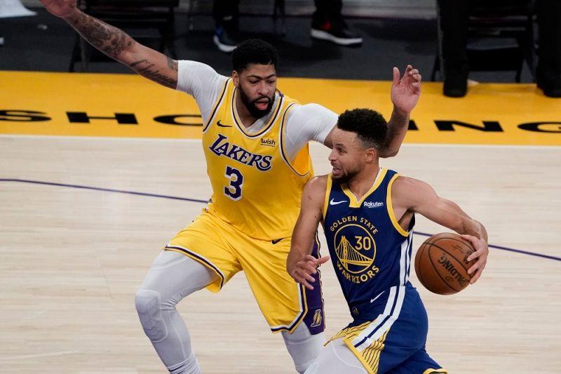 NBA/最佳射手!湖人主控:Curry在任何位置都很有威脅