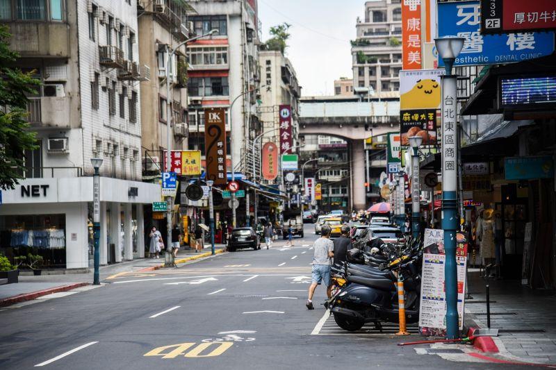 台灣疫情何時趨緩?醫喊出「關鍵時間」:挑戰2位數確診
