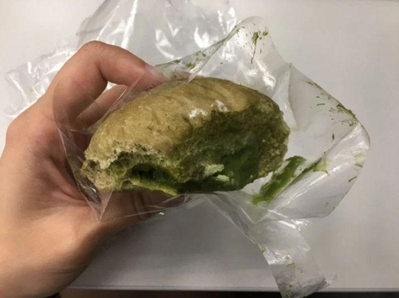 ▲女網友認為該款麵包不好吃。(圖/翻攝自《Dcard》)
