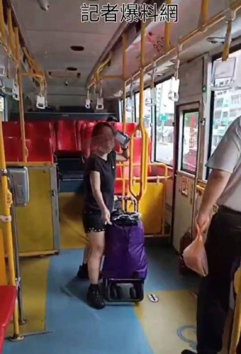 中市婦人搭公車口罩戴下巴怒瘋豬哥 市府要罰
