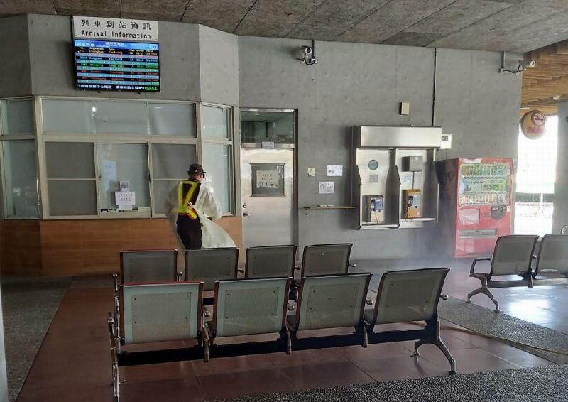 ▲案號「3037」65歲潮州鎮男子前往萬華與友人餐敘,足跡經過火車站均已消毒。(圖/屏東縣政府提供,
