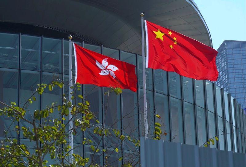 ▲香港首宗涉及違反國安法的案件今天開審,嫌犯不認罪,案件預料審訊一段時間;外界有人關注此案可能成為其他同類案件的案例。示意圖。(圖/美聯社/達志影像)