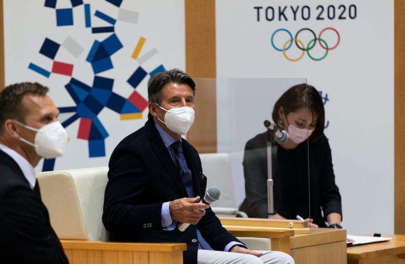 ▲國際奧委會主席巴赫(中)在奧運開幕前的訪日行程敲定7月中之前成行。(圖/美聯社/達志影像)