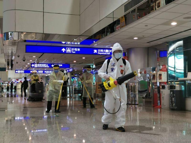 ▲交通部長要求機場徹底清潔消毒。(圖/交通部提供)