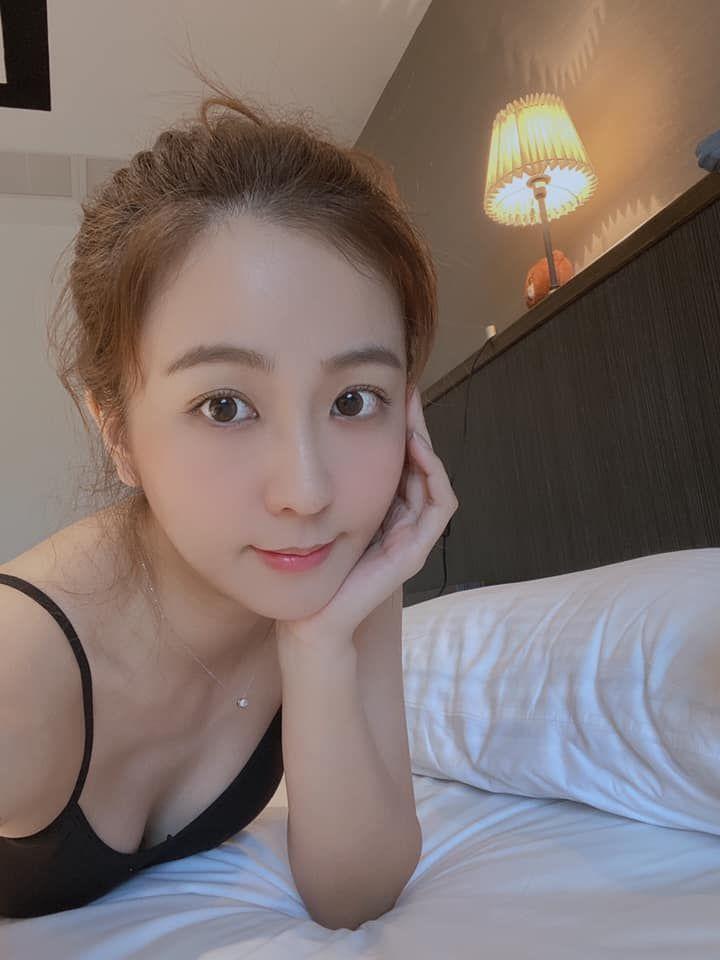 ▲周曉涵叮嚀粉絲乖乖在家防疫。(圖/周曉涵臉書)