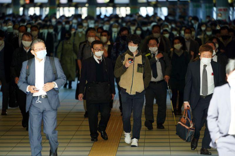 ▲東京大學研究團隊指出,如果因為舉辦奧運,增加了10%的人流,恐會讓感染人數飆升3倍。(圖/美聯社/達志影像)