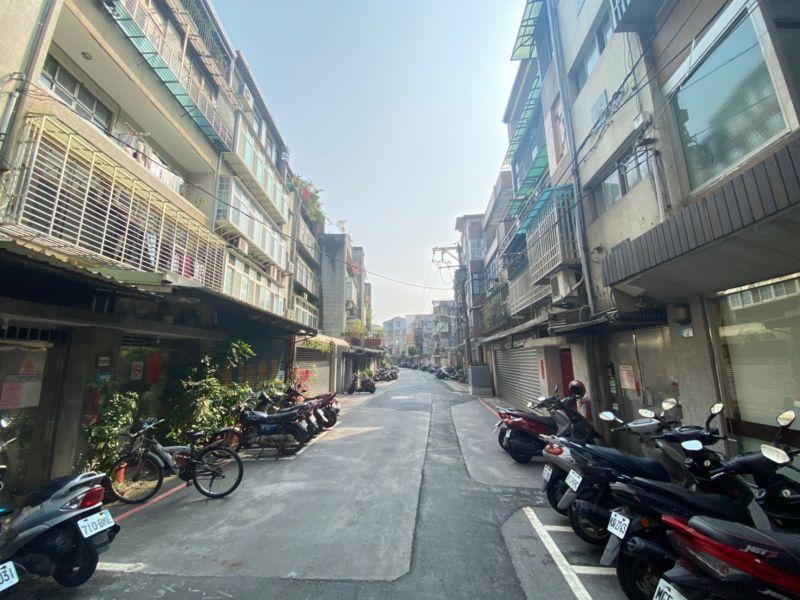 ▲專家建議,若要買公寓5樓,可選擇小坪數物件,後續轉手較為容易。(圖/NOWnews資料照片)