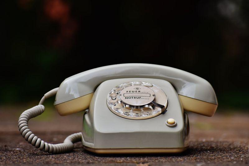 ▲有網友在打工平台上,看到有人刊登徵才「打電話給老闆道歉」,並開出一次50元的待遇,原因讓她笑翻。(示意圖/翻攝自《pexels》 )
