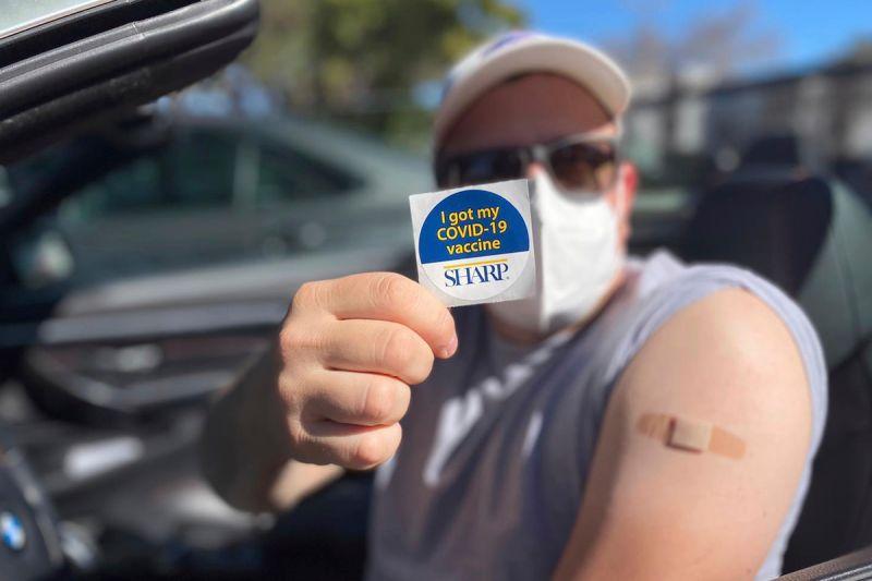 ▲美國聯邦衛生當局正在討論縮短COVID-19疫苗加強劑的間隔時間,比以往提出的8個月時間縮短。(圖/美聯社/達志影像)