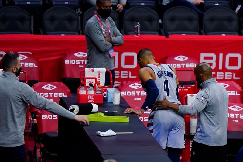 NBA/對威少扔爆米花 76人球團:該球迷無限期禁止入場