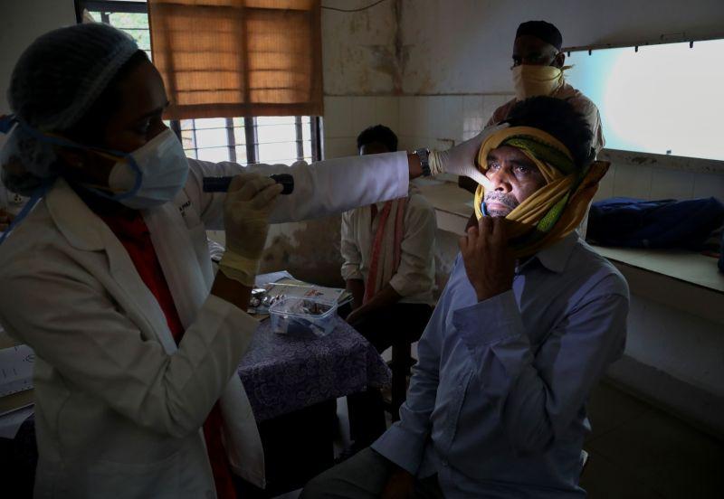 影/疫情拖垮印度醫療 毛黴菌症雪上加霜已破萬例