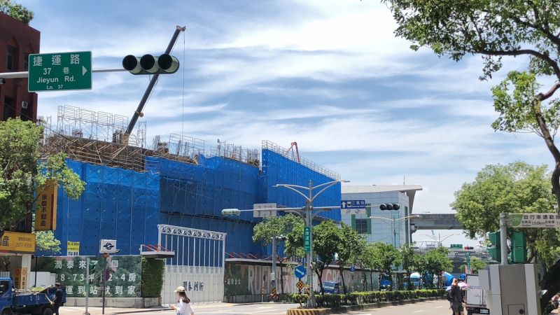 ▲二重疏洪道重劃區最受矚目的建設當屬知名建商與捷運共構的大樓,未來將引入商場。(圖/NOWnews資料照片)