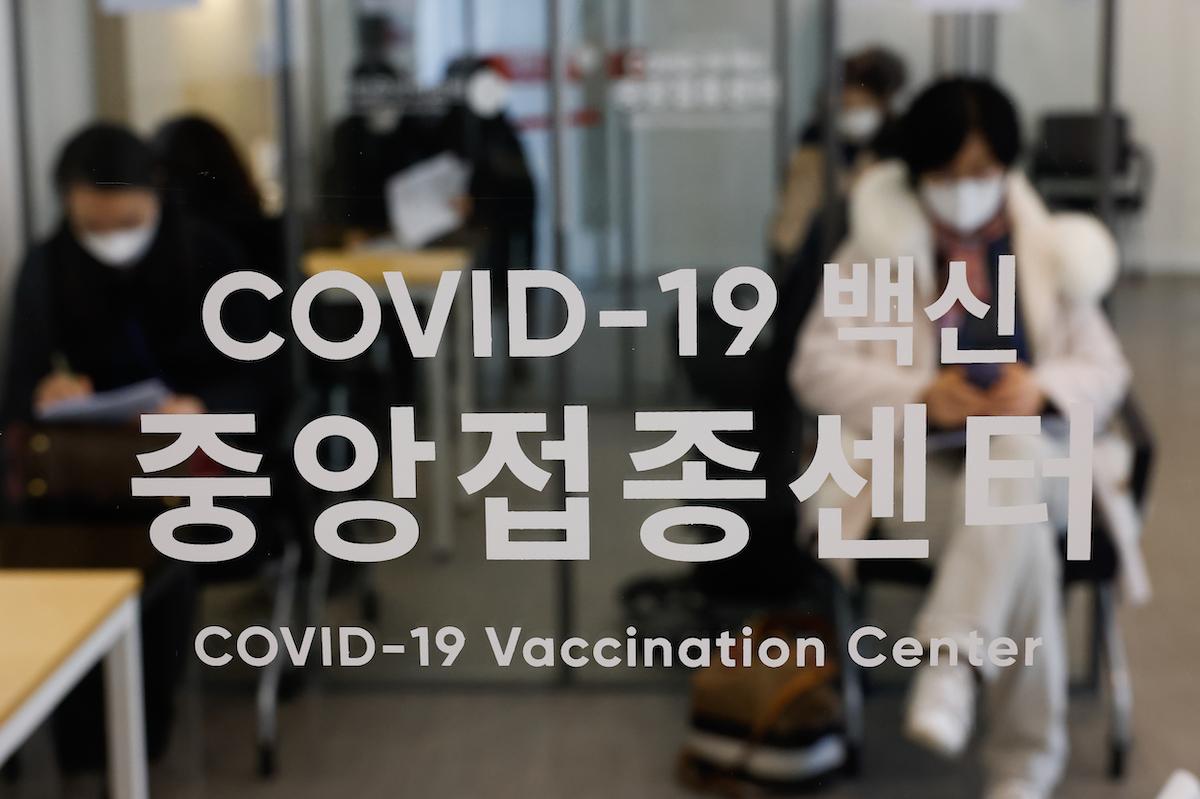 韓國新增確診者突破性感染佔20% 打噴嚏成觀察關鍵
