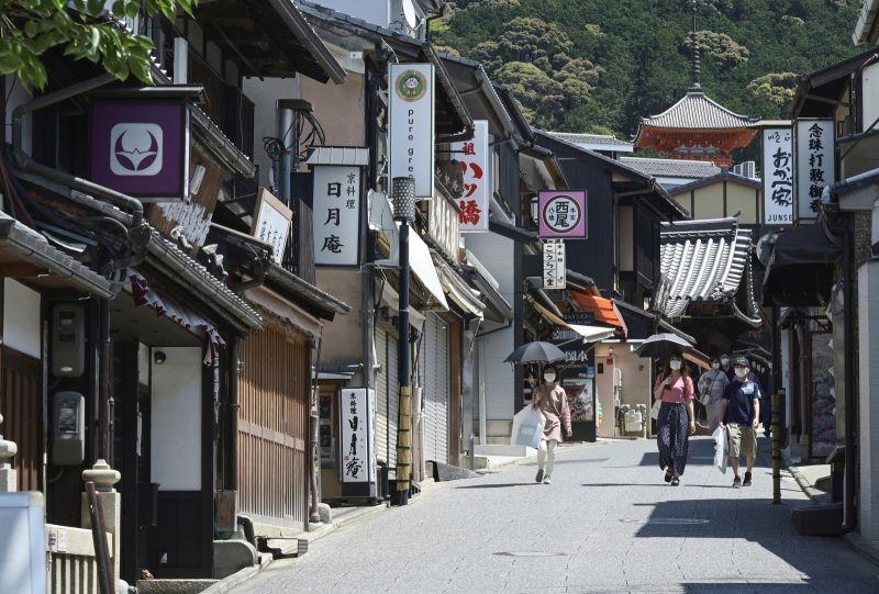 疫情重創 日本清水寺附近店家快撐不下去