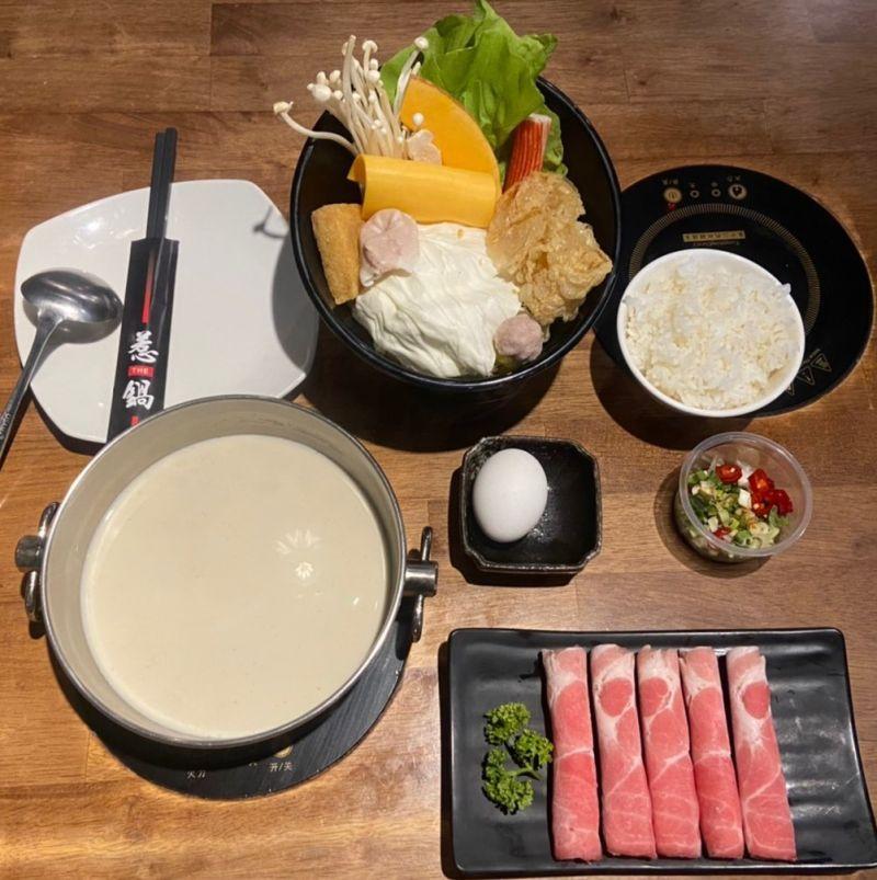 ▲惹鍋招牌之一起司牛奶鍋,湯頭濃郁,香氣撲鼻,是必點美食。(圖/業者提供)