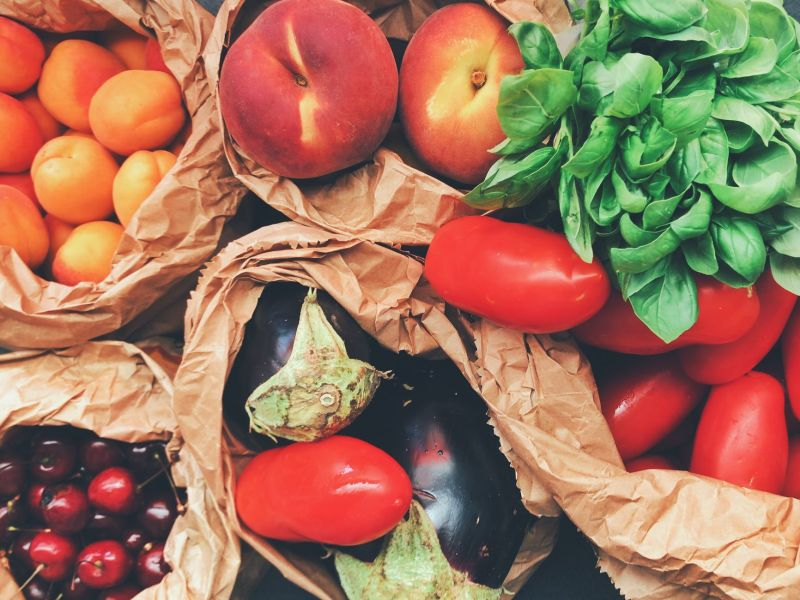 ▲民眾網購大量生鮮蔬果,造成宅配塞車,因此有些物流公司宣布「暫停配送北北桃地區的低溫包裹」。(示意圖/翻攝自《pexels》