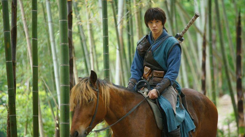 ▲蕭子墨在主演的新片《大鑄劍師》裡,飾演身手俐落的青年蒙陽。(圖/愛奇藝提供)