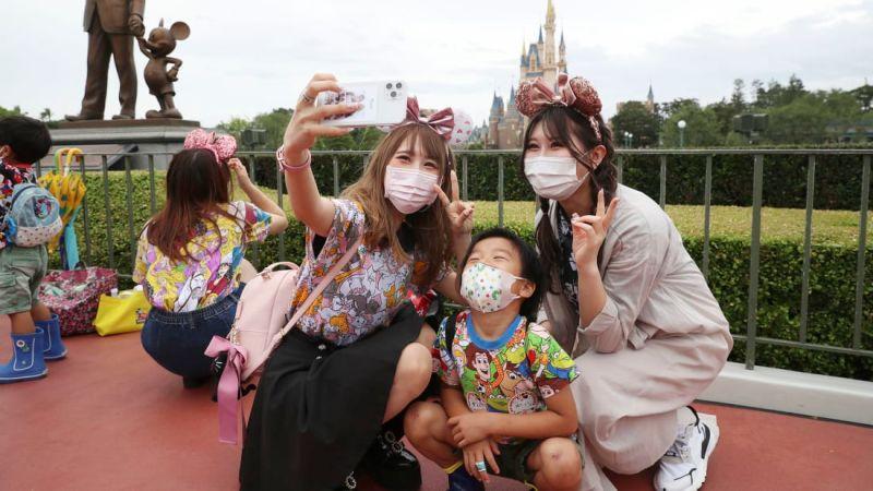 ▲日本東京都今天新增武漢肺炎確診562例,連續6天比前一週的同一天增加,且是連3天比前一週同天增加100例以上。專家指出,東京的疫情有復燃跡象。資料照。(圖/美聯社/達志影像)