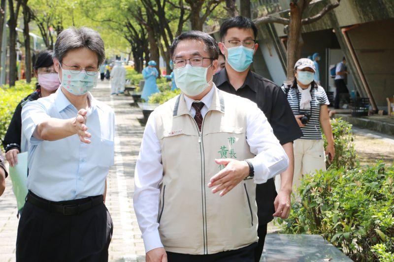 ▲南科大型篩檢站今(9)日起正式啟用,台南市長黃偉哲前往視察。(圖/台南市政府提供)