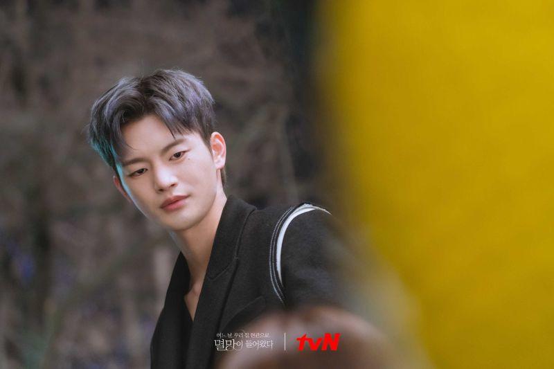 ▲徐仁國消失螢光幕期間仍注重體態。(圖/tvN)