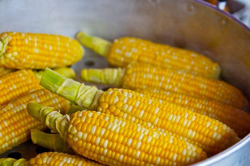 ▲夜市「水煮玉米」美味關鍵在哪?老饕吐1步驟。(示意圖/翻攝自Pixabay)