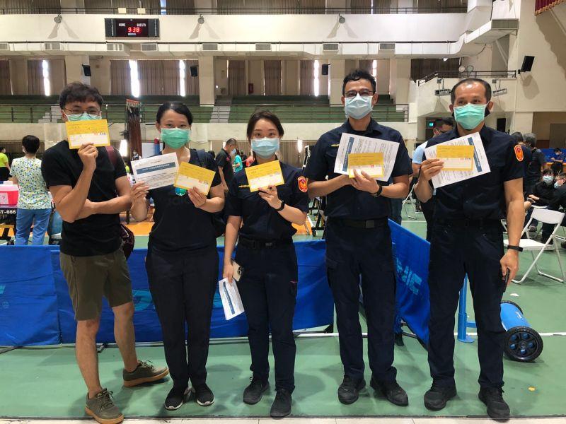 ▲日本124萬劑AZ疫苗將在6月15日開打,由於疫情嚴峻基層員警防疫勤務繁重,警察屬第二類防疫人員高市府允諾六月全數施打完畢。(圖/高市府提供)