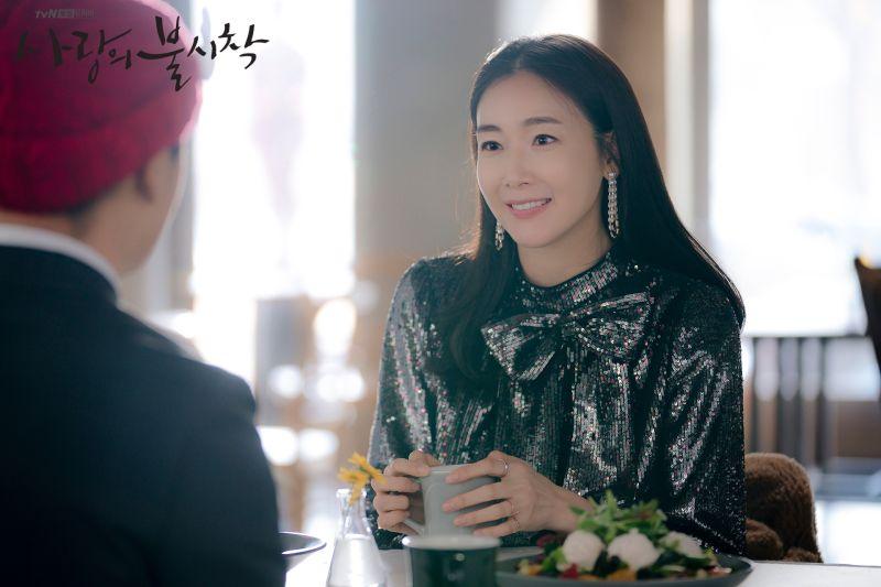 ▲崔智友遭爆老公出軌,帶女生開房間。(圖/翻攝tvN)