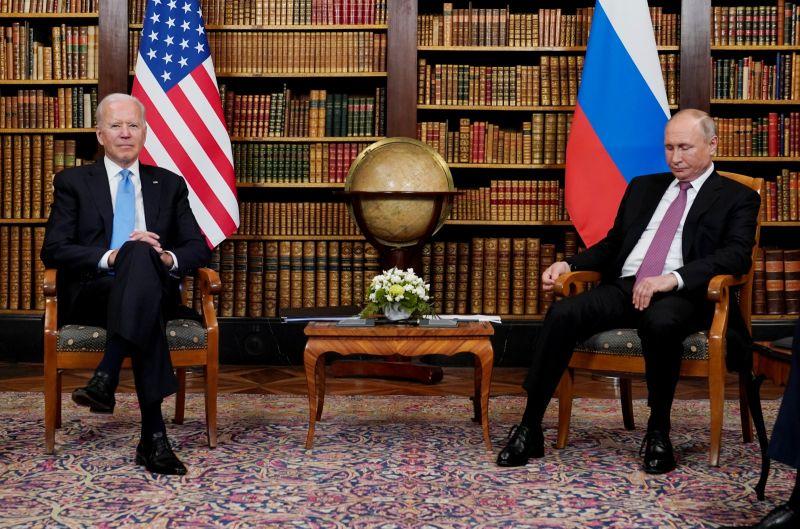 ▲俄羅斯總統蒲亭(Vladimir Putin)表示,他與美國總統拜登的兩人首場面對面會談具有「建設性」。他還指出,雙方同意商討網路安全問題,俄美兩國大使將重返駐在國。(圖/美聯社/達志影像)