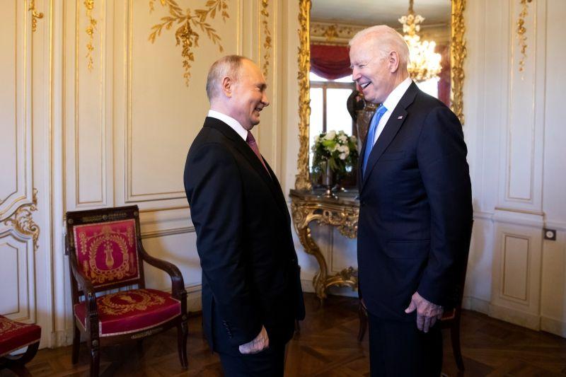 ▲美國總統拜登與俄國總統蒲亭(Vladimir Putin)舉行峰會,雙方會後發表聯合聲明,重申對於武器管控及減少風險的承諾,並且強調核戰中不會有人獲勝。(圖/美聯社/達志影像)