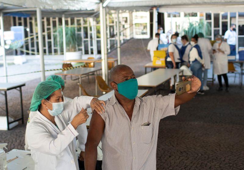 巴西COVID-19疫苗供應漸穩 加快接種速度