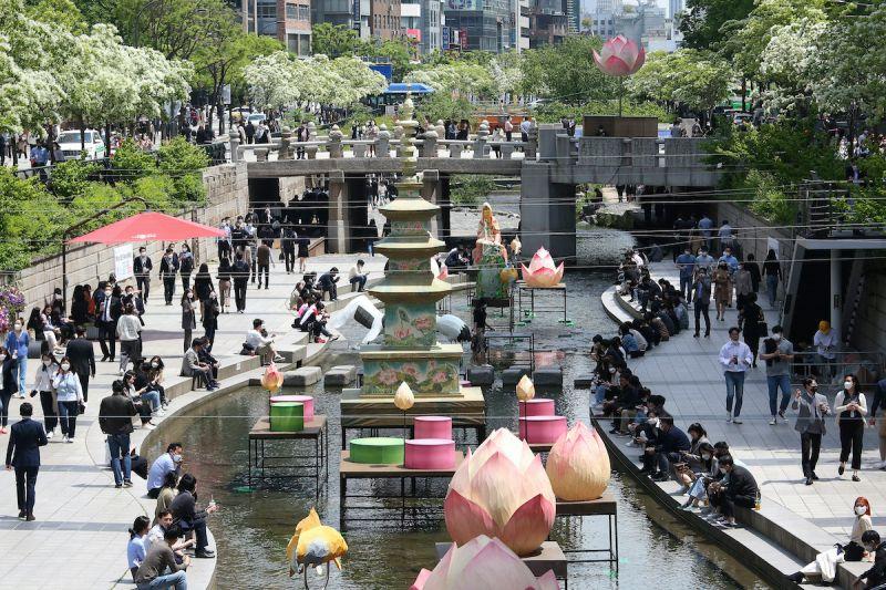 ▲網友認為韓國旅遊的3優勢就是「美食」、「滿足韓劇迷追星族」、「商圈購物好逛」。(圖/美聯社/達志影像)
