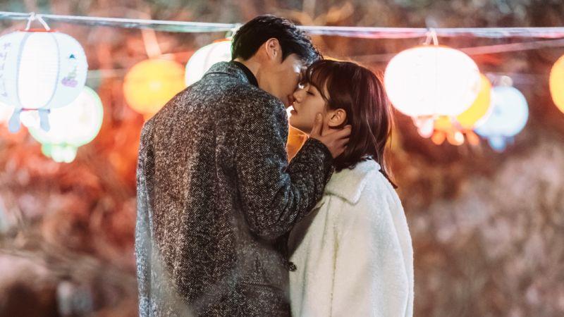 ▲劇中,張基龍(左)跟惠利互動大躍進。(圖/tvN)