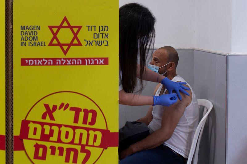 以色列百萬劑輝瑞疫苗快過期 贈與巴勒斯坦