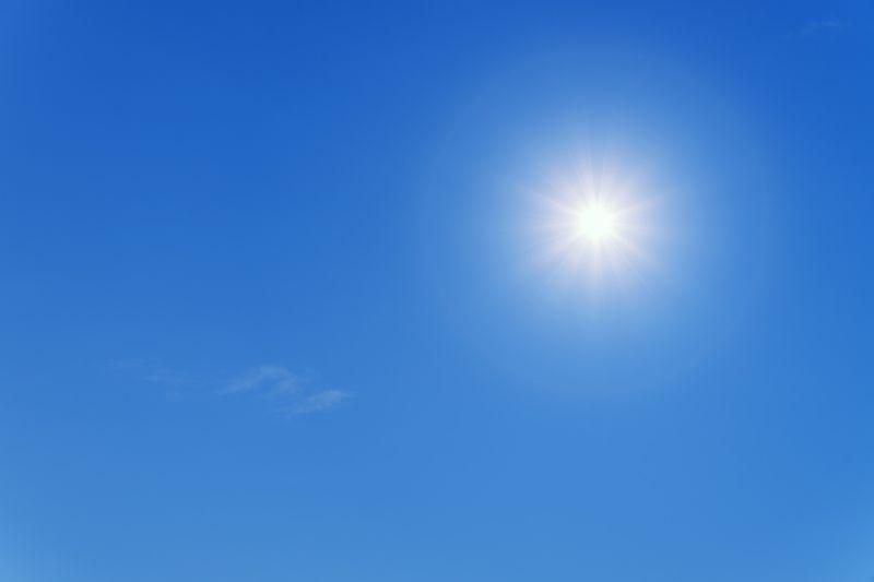▲天氣愈來愈熱,不少人敵不過室外高溫,紛紛躲在室內吹冷氣,對住在頂樓加蓋的民眾,更是一大考驗,對此,就有神人分享6招降溫撇步。(示意圖/取自pixabay)