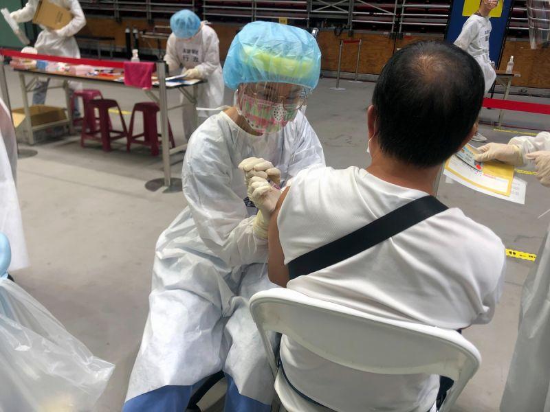 ▲屏東市一名93歲阿伯接種疫苗後第4天,今天下午被家人發現沒有脈膊,來不及送醫即不治死亡。(資料照/屏東縣政府提供)