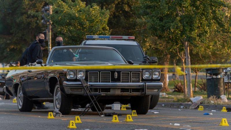 ▲加州奧克蘭舉辦慶祝六月節(Juneteenth)慶典的附近爆發槍擊,警方表示,造成1名現年22歲的男子死亡及5人受傷,但不清楚這起槍擊是否與慶祝六月節有關。(圖/翻攝自abc news)