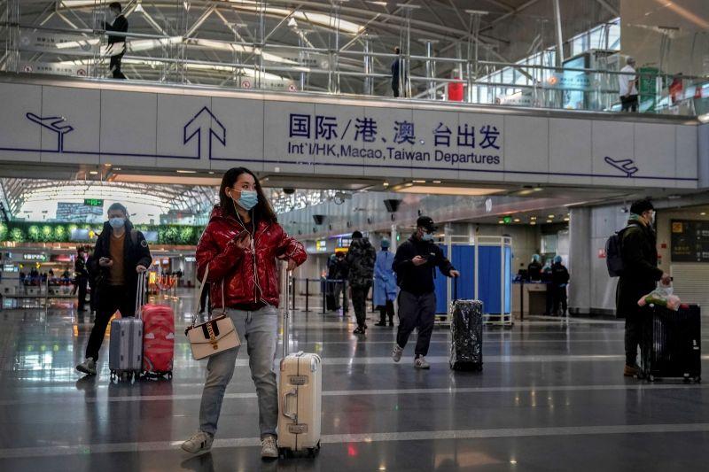 ▲中共將於7月慶祝建黨100年,北京加強維安、維穩措施,北京首都國際機場亦宣布將採取更嚴格的安檢,呼籲旅客減少攜帶行李。資料照。(圖/美聯社/達志影像)