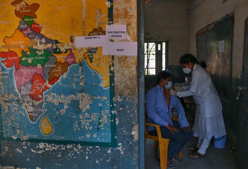 ▲印度早前暫停疫苗出口,但國內疫苗施打速度仍有待提升。(圖/美聯社/達志影像)