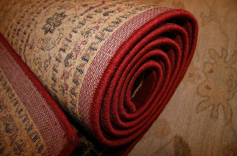 ▲美國有網友搬入新家準備整修時,發現地毯下藏著驚人秘密,讓她當場嚇壞。(示意圖/翻攝自《pexels》 )